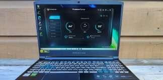 Acer Predator Helios 300 (2021) review 3