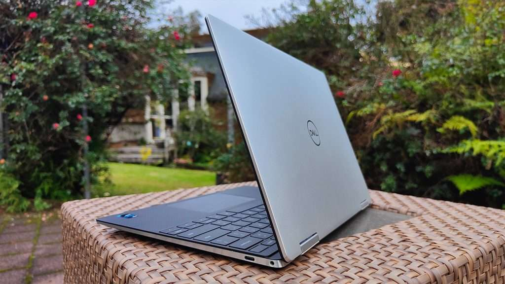 Dell XPS 13 (9310) 2-in-1 Laptop review 4